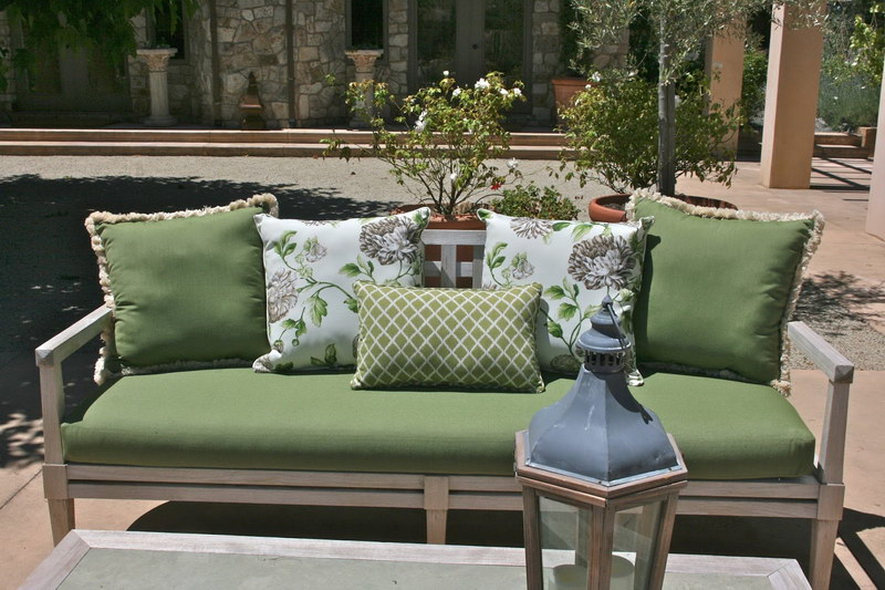 Outdoor-Furniture-Cushions-Home-Depot